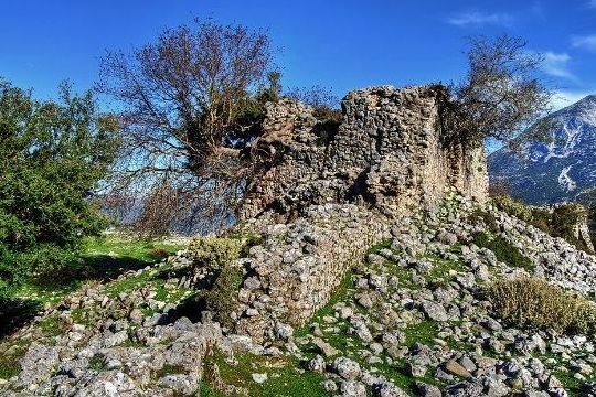 μέρος τείχους κάστρου Εμπεσού